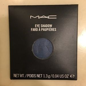 "Mac eyeshadow ""flash track"""